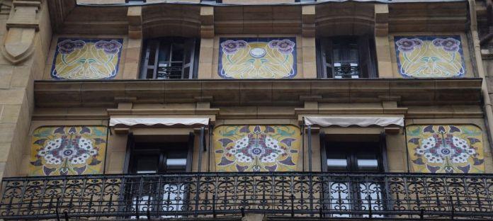 motifs floraux calle prim Saint-Sébastien Donostia