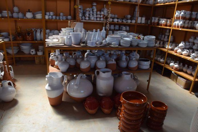 poteries émaillées de blanc Nahorro Navarette La Rioja