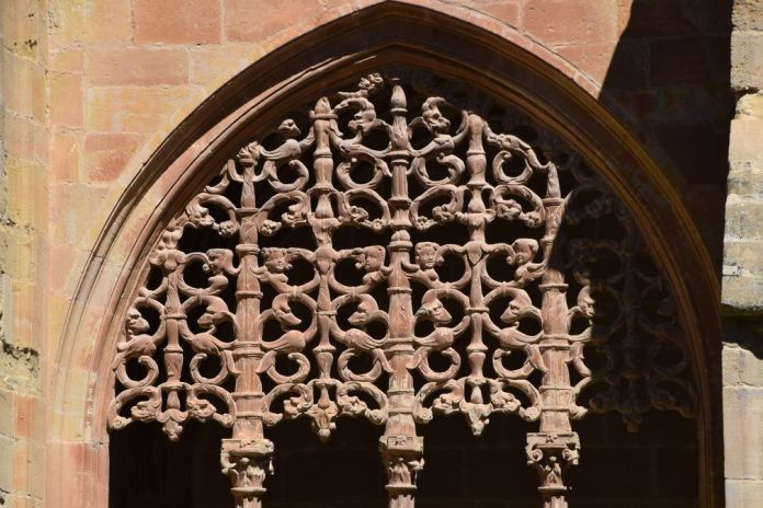sculptures cloître Santa Maria la Real Najera La Rioja