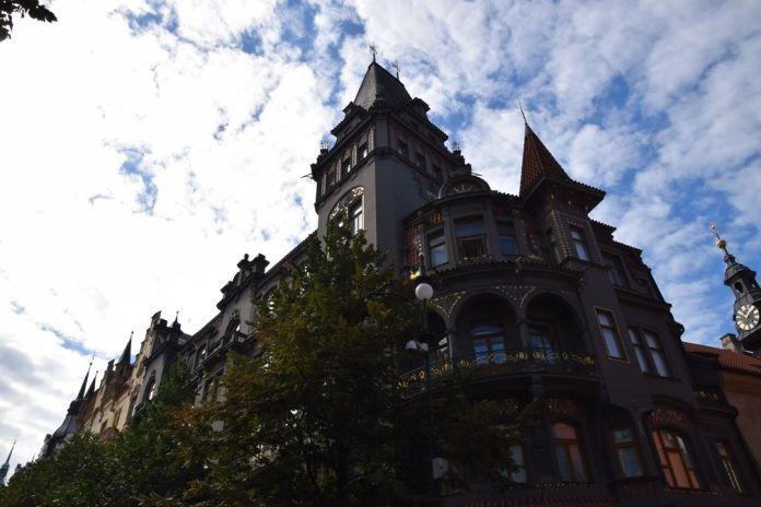 fond gris or Art nouveau Prague