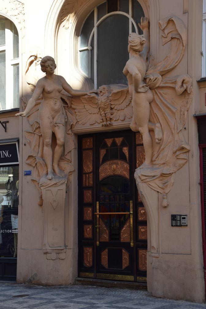 porte art nouveau Prague