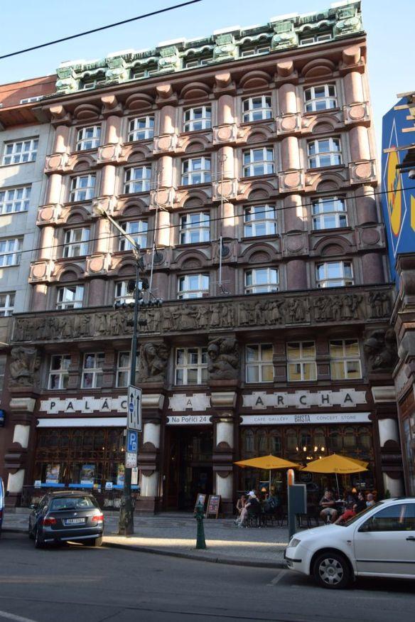 façade banque des légionnaires Prague