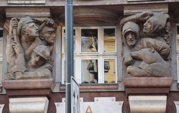 détail façade banque des légionnaires Prague