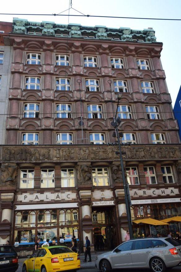 bâtiment cubiste banque des légionnaires prague