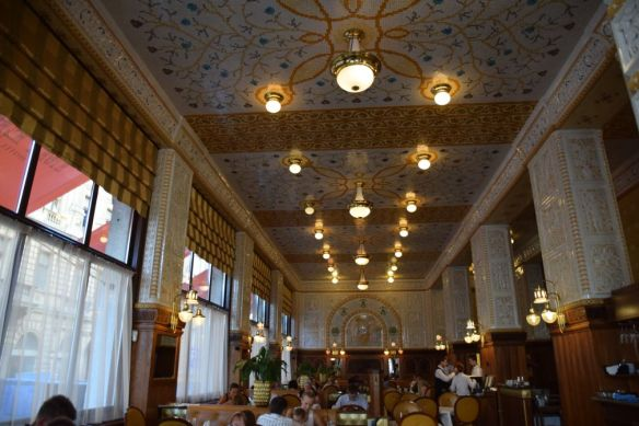 salle café Art déco Impérial