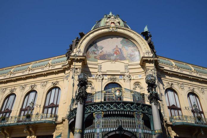 balcon maison municipale Prague