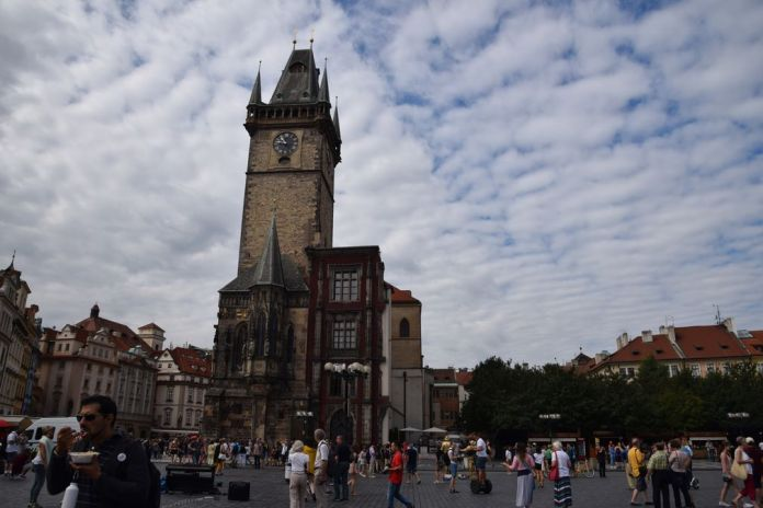 tour horloge astronomique prague