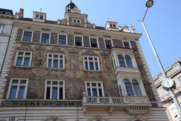 sgraffites place Venceslas Prague
