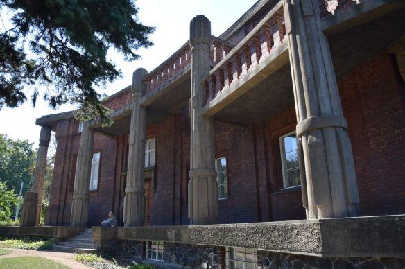 Villa Bilek colonnes Prague
