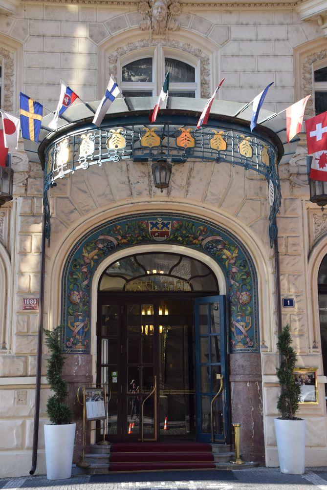 entrée hôtel Pariz Prague