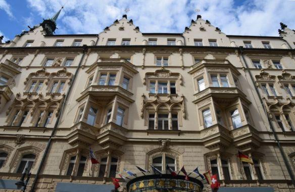 charme façade Hôtel Paris Prague Art nouveau