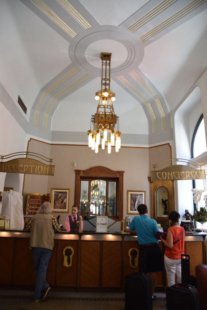 réception Hôtel Pariz Prague