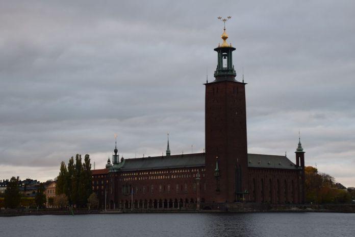 hôtel de ville de stockholm nuit suède sweden