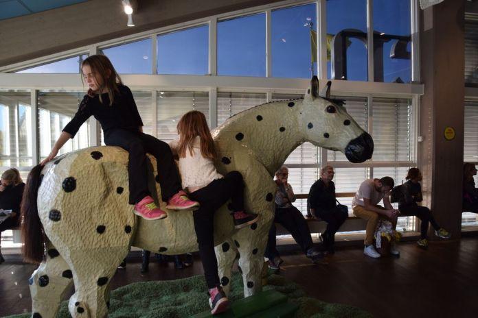 le poney au Junibaken de stockholm suède sweden