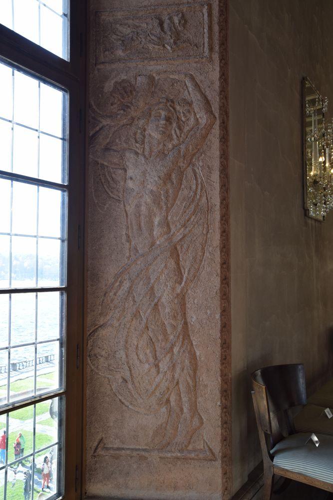 bas relief galerie hôtel de ville Stockholm suède sweden