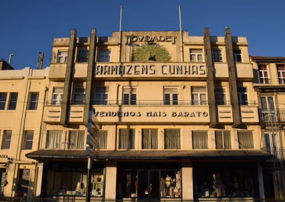 magasin art déco église das carmelitas Porto portugal