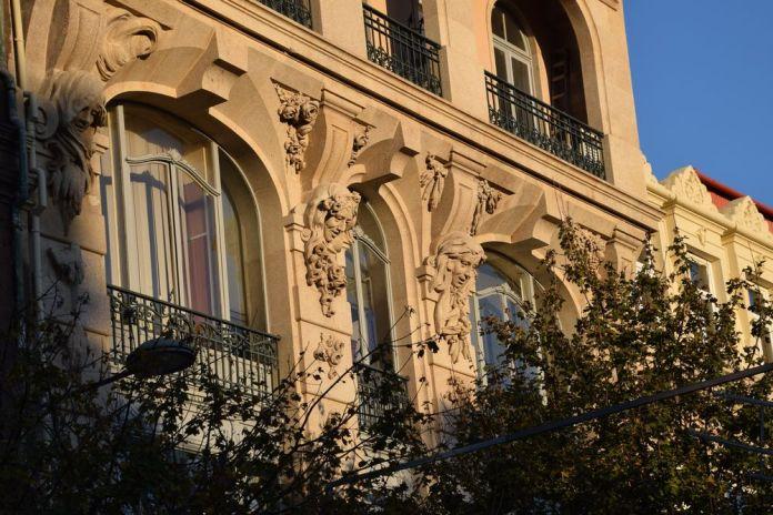 visage Art nouveau Porto Portugal