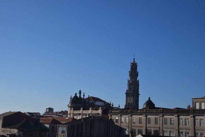 église et tour dos clerigos porto portugal
