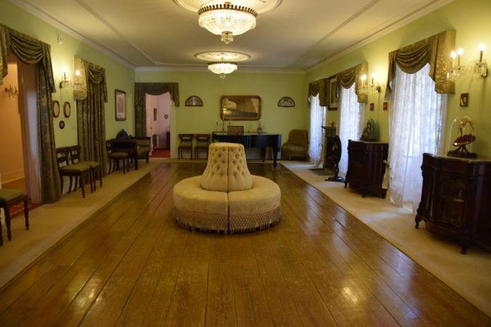 salle de bal musée romantique porto portugal