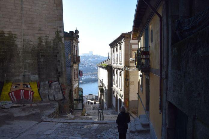 Graffitis à Porto. Photo City Breaks AAA+, Claude Mandraut.