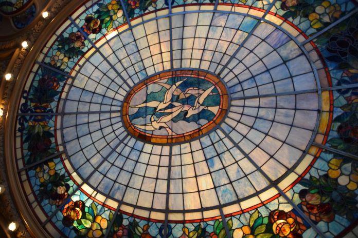 vitrail art nouveau café opéra stockholm suède