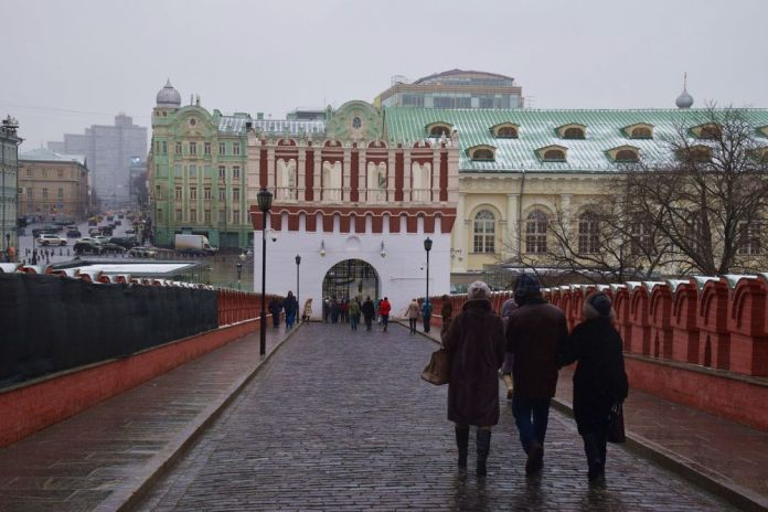 sortie du kremlin moscou moscow russie russia