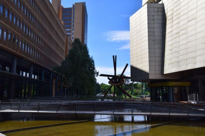 sculpture Potsdamer platz berlin