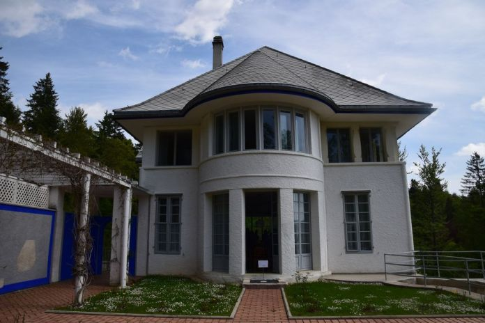 la maison blanche jardin inférieur le Corbusier la chaux de fonds suisse switzerland