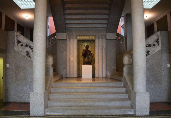 escalier entrée musée des beaux arts la chaux de fonds