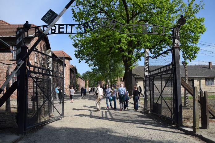 porte d'entrée d'Auschwitz
