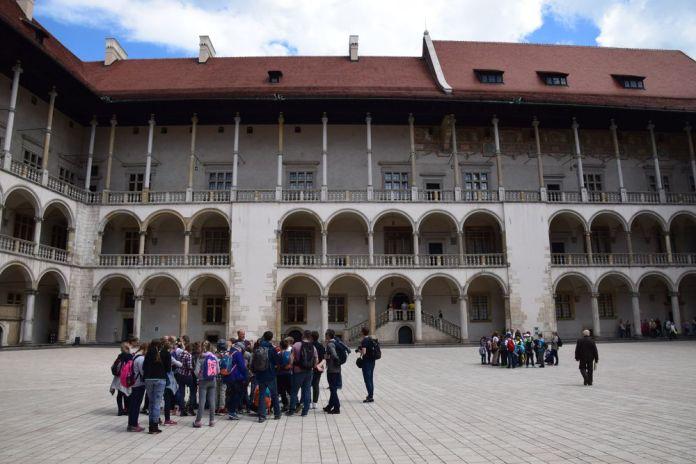 cour château wawel cracovie galeries
