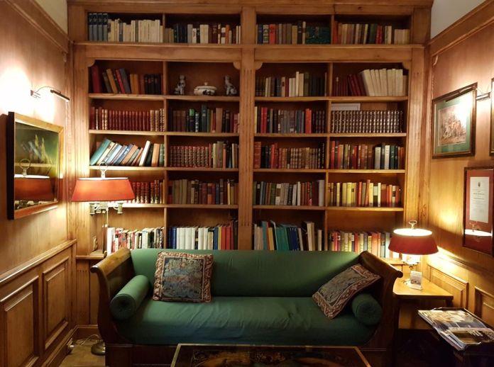 bibliothèque hotel grodek cracovie