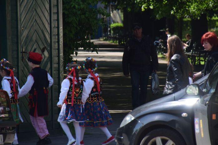 petits polonais en promenade