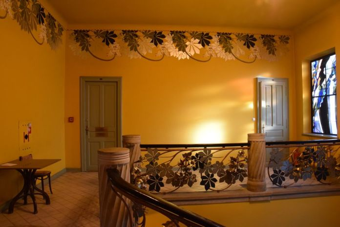 hall à l'étage société médecine cracovie