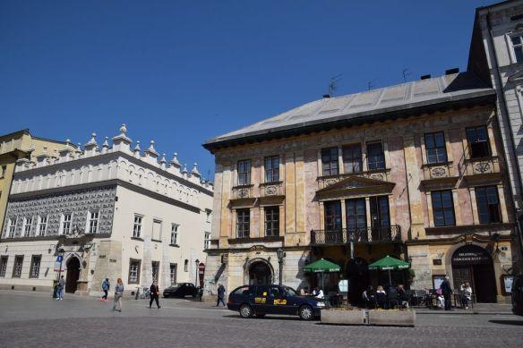 différents styles d'architecture vielle ville cracovie
