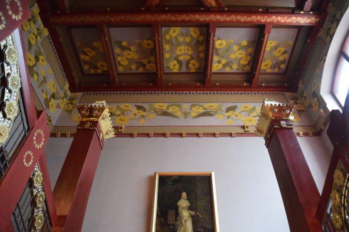 guirlande fleurs jaunes vieux théâtre cracovie