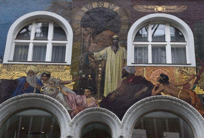 fresque mosaïques verres Karnternstrasse vienne