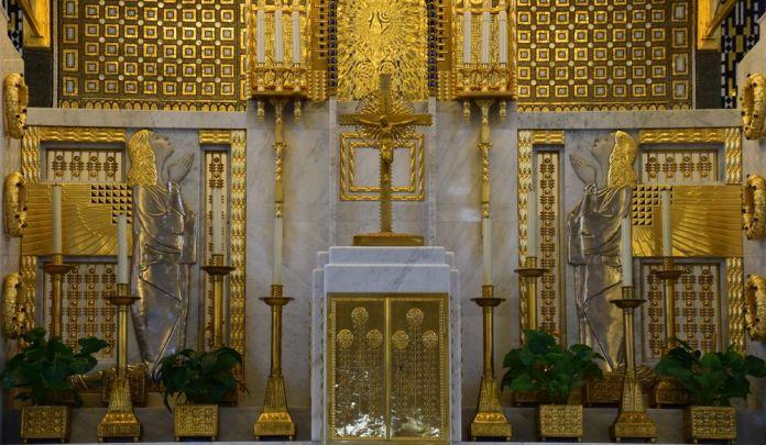 or et argent repoussés autel steinhof vienne