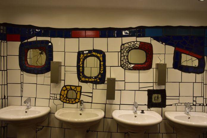 toilettes du Village Hundertwasser Vienne