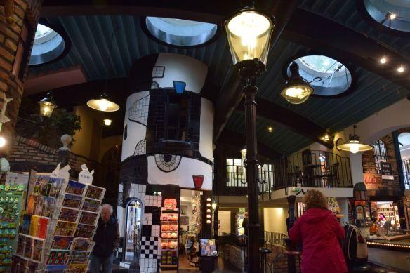 boutiques souvenirs village Hundertwasser Vienne
