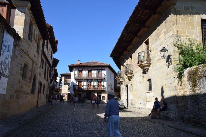 immeubles anciens santillana del mar