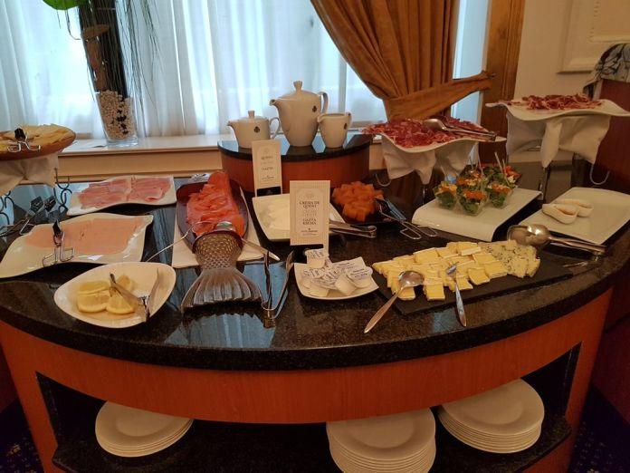 assortiments salés petit déjeuner carlton bilbao