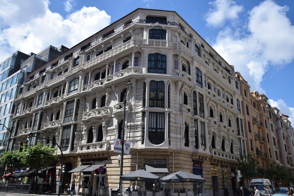 Bilbao d tour art nouveau city breaks aaa - Casa en bilbao ...