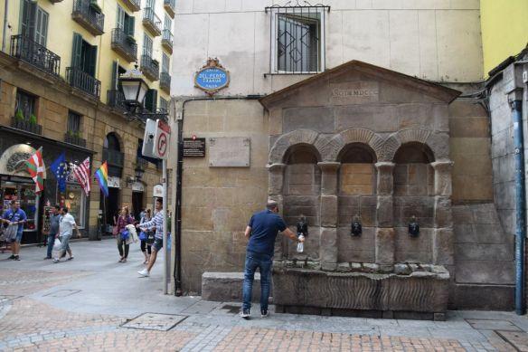 fontaine casco viejo bilbao