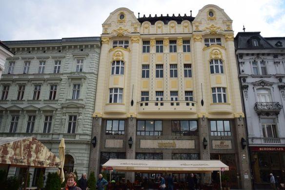 façade café roland bratislava