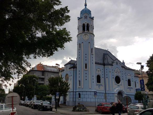 église bleue ou église sainte élisabeth bratislava