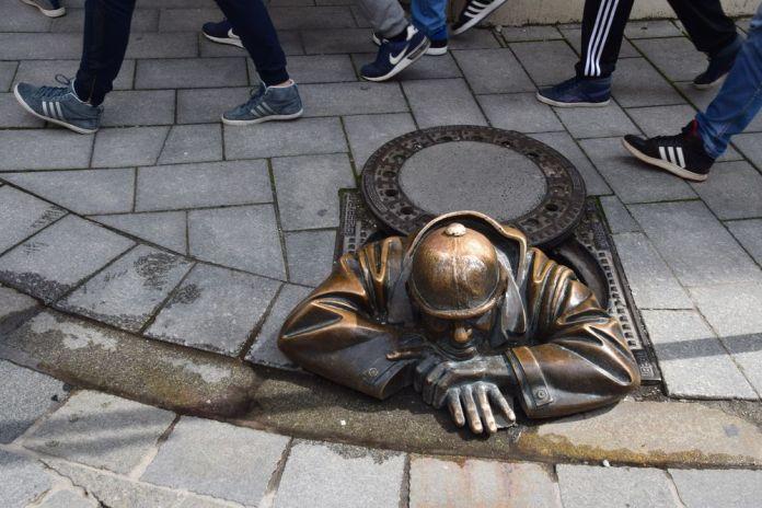 ce personnage attire les foules à Bratislava