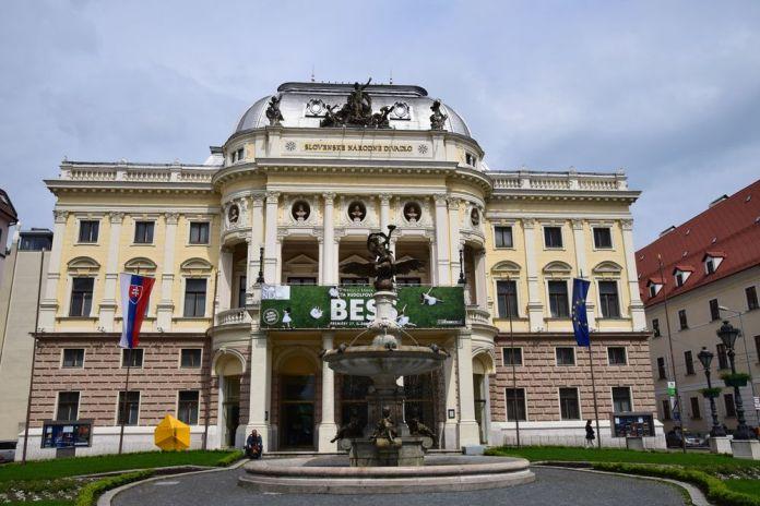 théâtre national slovaque bratislava