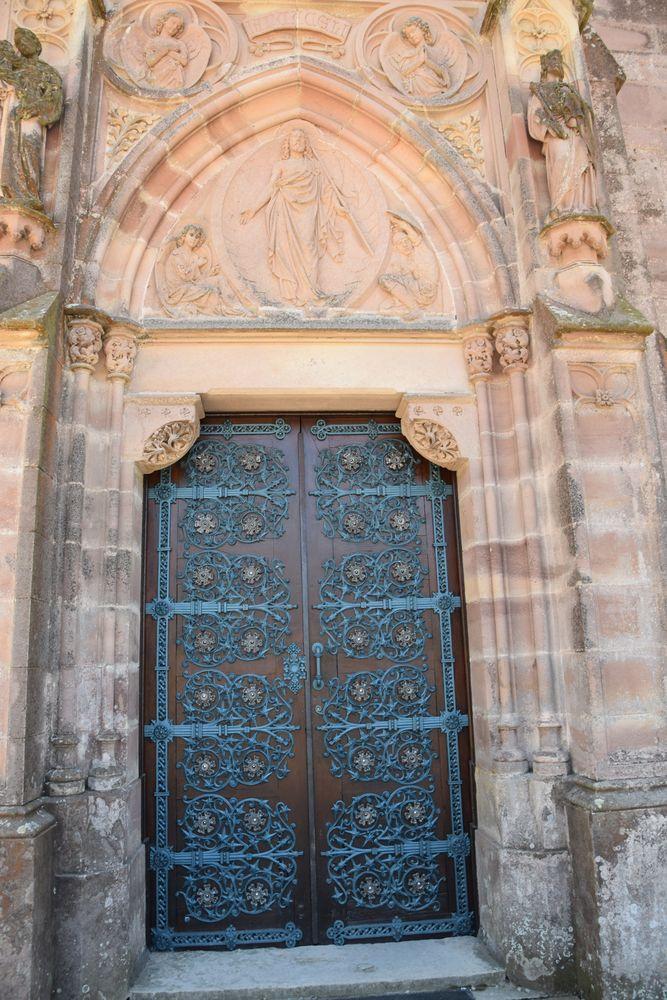 porte chapelle panthéon marquis de comillas