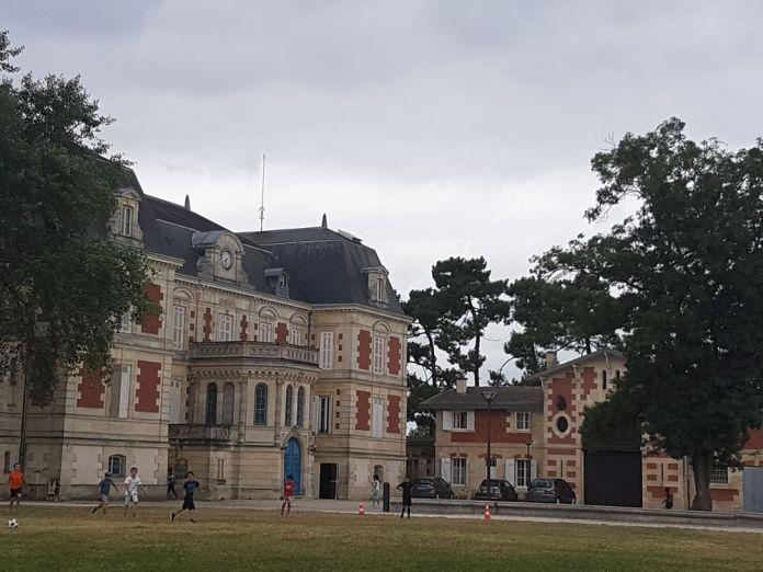 château des iris Lormont